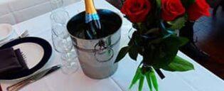 Valentinstag Bootstouren mit Abendessen in New York