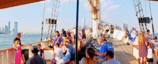 Klassische Schoner Segeltour in New York - mit Weinverkostung, Craft-Bier oder Jazzmusik