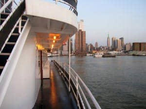 Bootstouren am Abend in New York