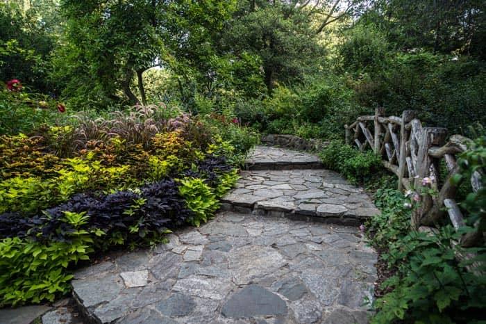 Central Park in New York - Shakespeare Garden