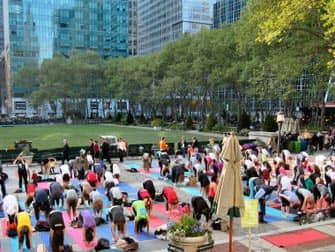 Kostenlos Yoga im Bryant Park - Yoga im Bryant Park