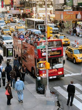 Hop on Hop off Bus in New York - Gray Line Roter Bus