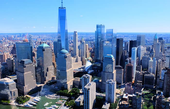 Lower Manhattan und der Financial District in New York - Vogelperspektive
