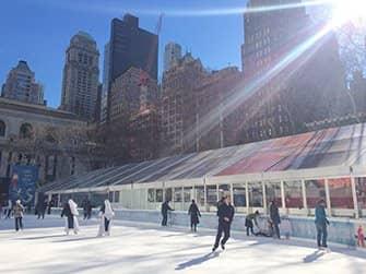 Märkte in New York - Schlittschuhlaufen im Bryant Park