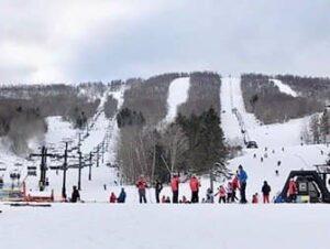 Ski und Snowboard Tagesausflug von New York aus