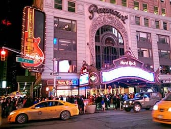 Themen Restaurants in NYC - Hard Rock Cafe