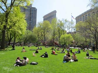 Parks in New York - Leute im Madison Square Park