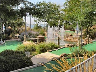 Mini Golf am Pier 25 in TriBeCa New York City