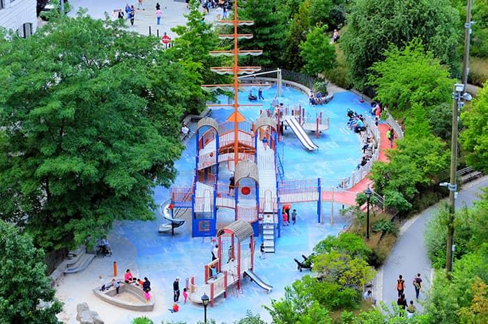 Spielplätze in New York - Main Street Spielplatz