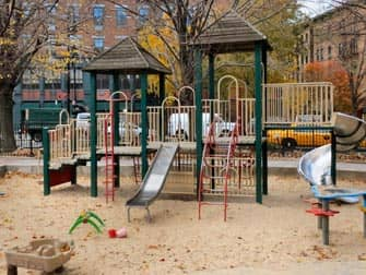 The Bleeckerstreet Spielplatz in New York