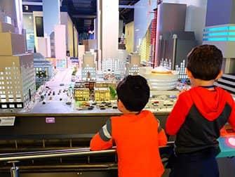 Aktivitäten mit Kindern in New York - Gullivers Gate