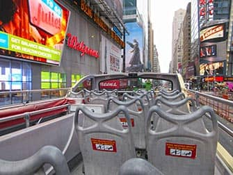 Big Bus in New York am Morgen