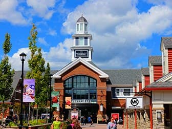 Woodbury Common Premium Outlet Center in New York