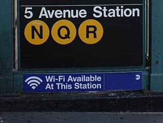 Wi-Fi in New York - Wi-Fi an der 5th Avenue Station