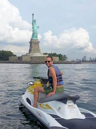 Schwimmen gehen in New York - Jetski fahren