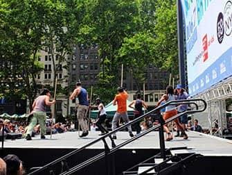 Broadway im Bryant Park - Stomp
