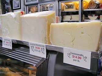 Kulinarische Tour durch Chinatown und Little Italy - Italienischer Käse