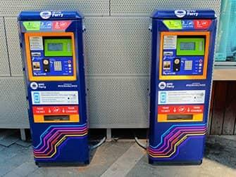 NYC Ferry in New York - Fahrkartenautomaten