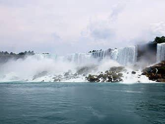 Tagesausflug von New York zu den Niagarafällen mit dem Bus - Aussicht von der Maid of the Mist