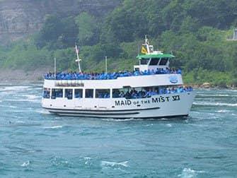 Tagesausflug von New York zu den Niagarafällen mit dem Bus - Maid of the Mist