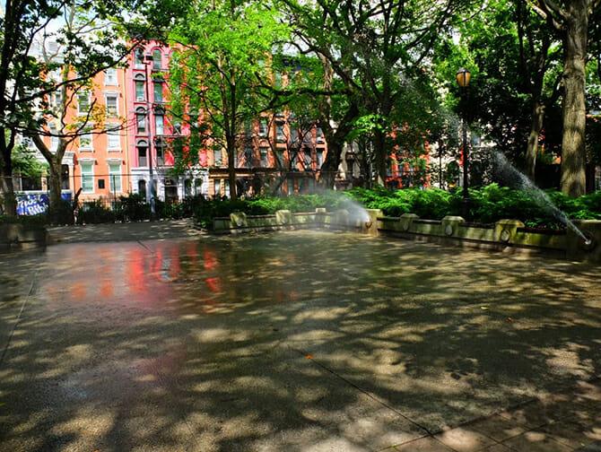 Little Germany in New York - Wasserspiel im Tompkins Square Park
